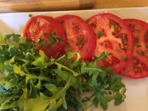 tomatoes with chives & arugula